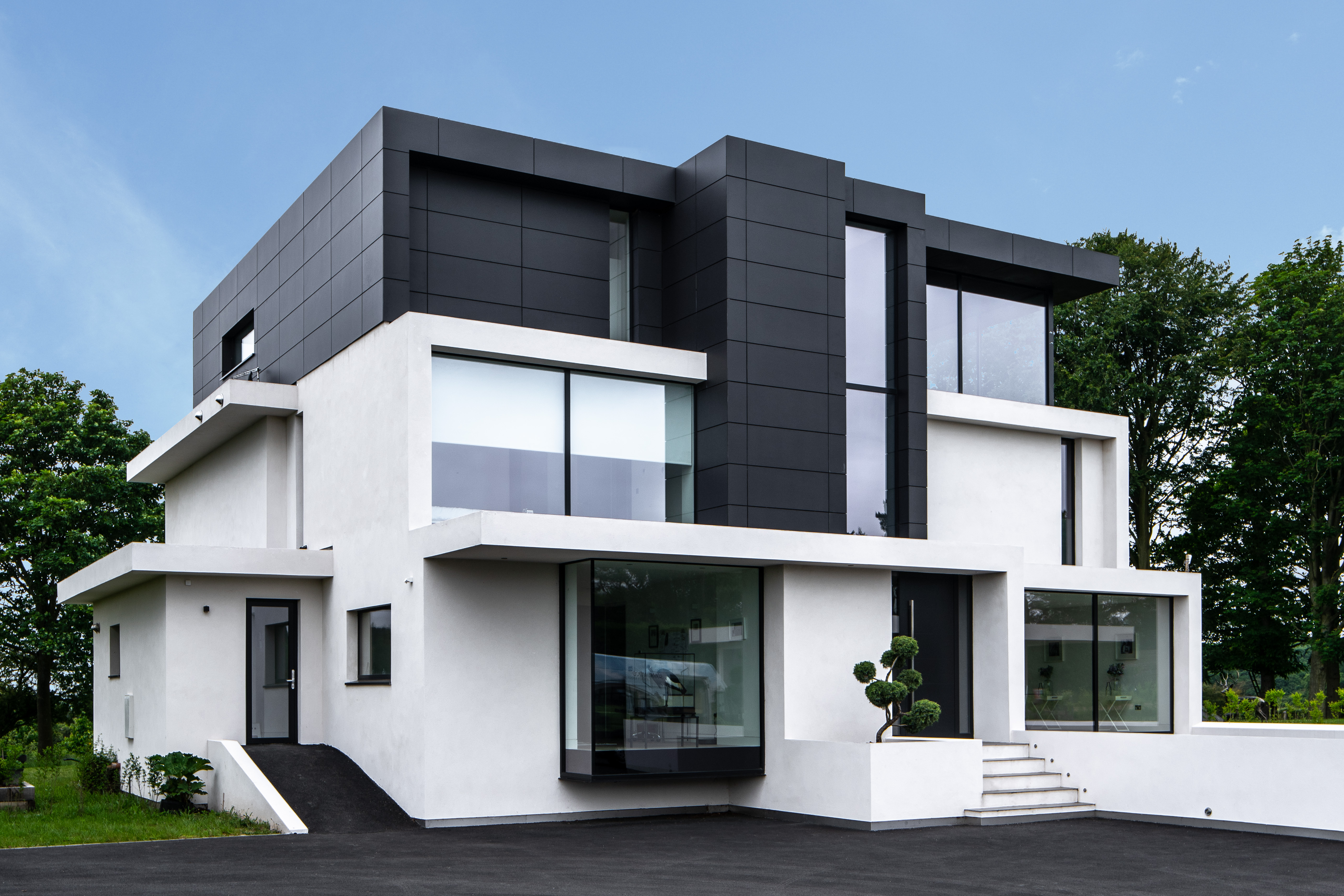 Case Study: Contemporary home by Reynaers - Architecture